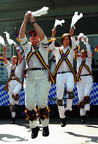 The Maroon Bells Morris Dancers - Performing a Fieldtown morris dance